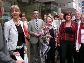 Zusammentreffen mit der Bayerischen Sozialministerin Frau Staatsministerin Christa Stewens und des Landrats Waldemar Zorn sowie der Oberbürgermeisterin Dr. Pia Beckmann, anläßlich deren Besuchs des Würzburger Gesundheitstages 2006